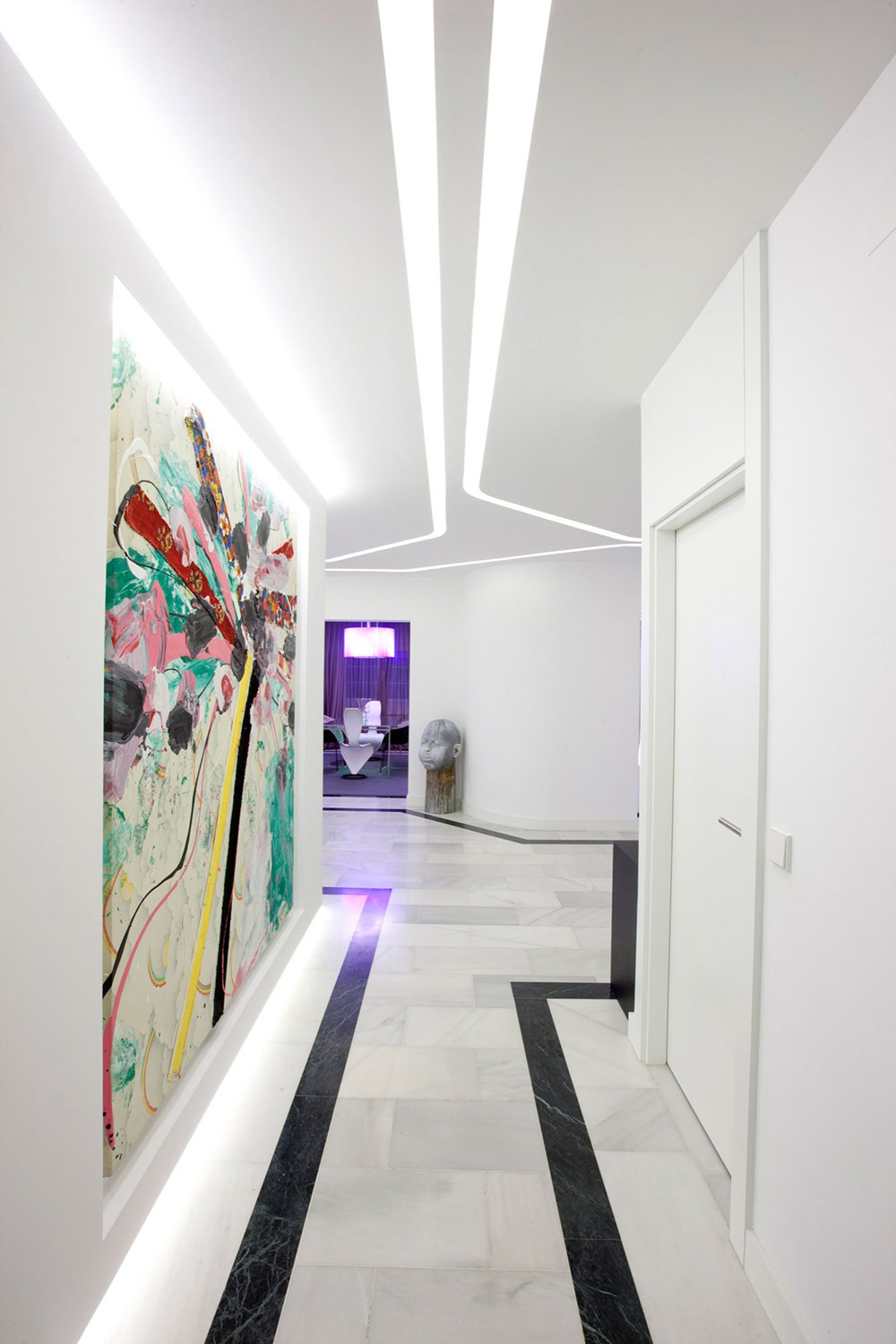 Hallway, Art, Modern Apartment in Madrid Designed by IlmioDesign