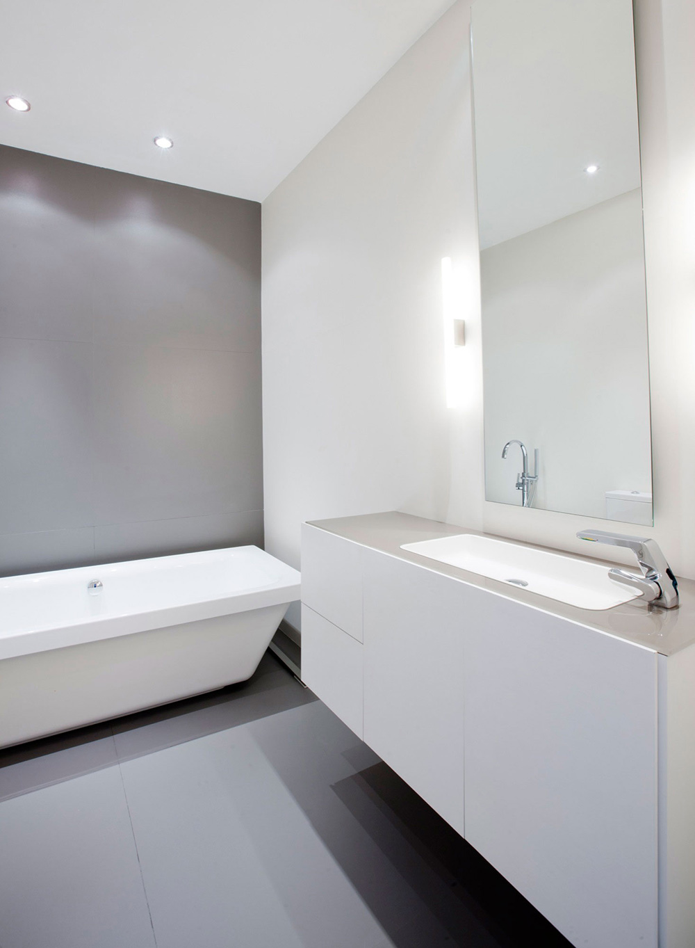 Bathroom, Mirror, Sink, Modern Apartment in Madrid Designed by IlmioDesign