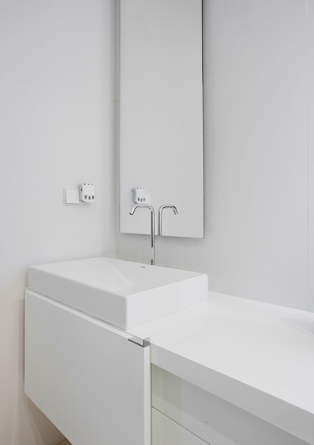 White Bathroom, Sink, Modern Apartment in Madrid Designed by IlmioDesign