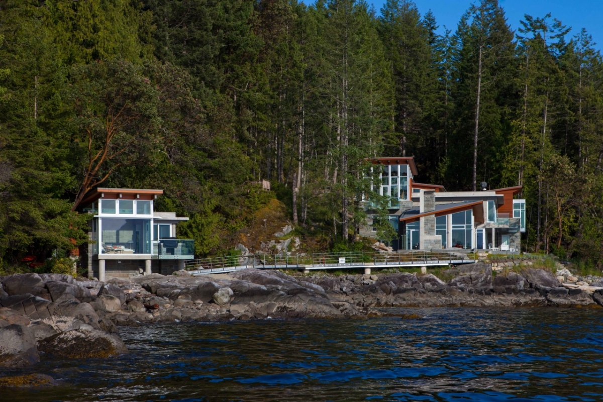 Guest House, Pender Harbour House in Pender Harbour, BC, Canada
