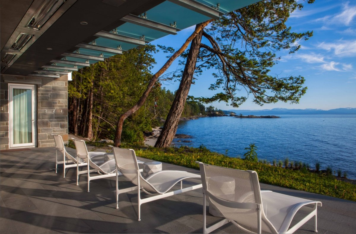 Terrace, Bay Views, Pender Harbour House in Pender Harbour, BC, Canada