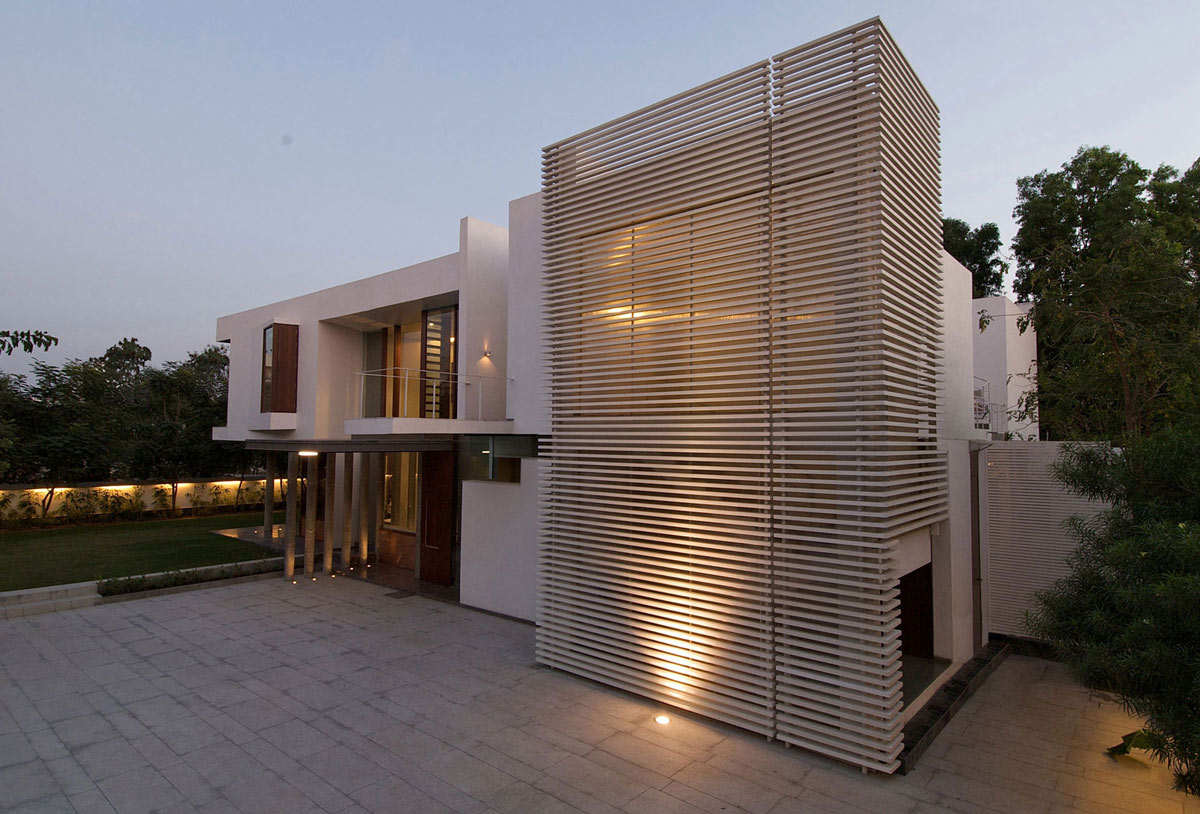 Entrance, Poona House in Mumbai, India by Rajiv Saini