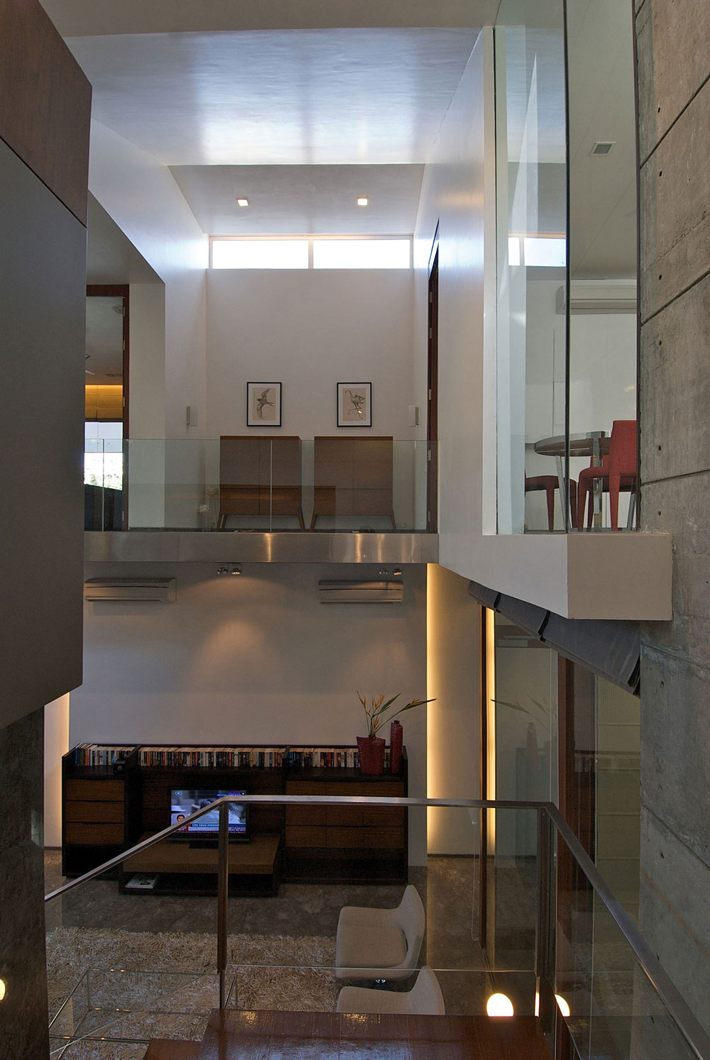 Glass Walls, Poona House in Mumbai, India by Rajiv Saini