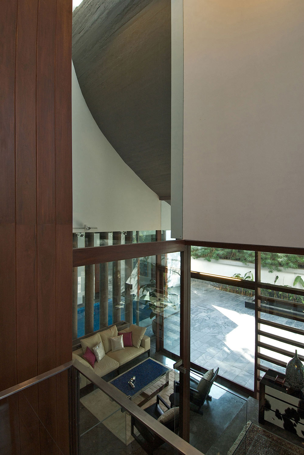 Living Space, Poona House in Mumbai, India by Rajiv Saini