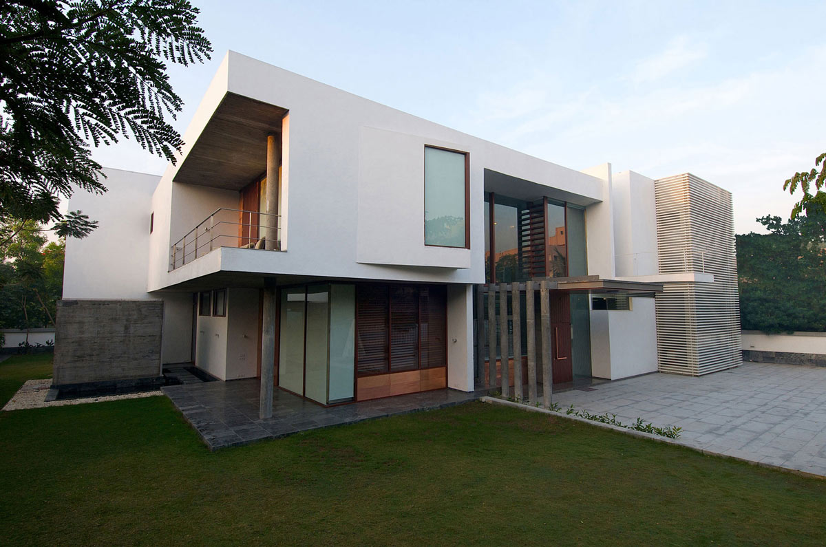 Terrace poona house in mumbai india by rajiv saini for Terrace in house