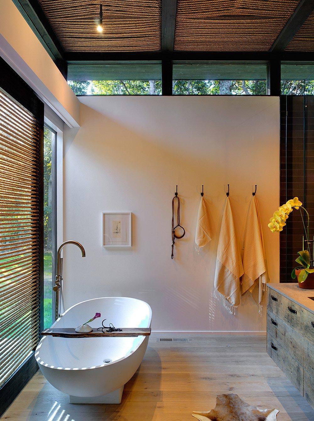Bathroom, Modern White Bath, Robins Way Residence in Amagasett, New York by Bates Masi Architects