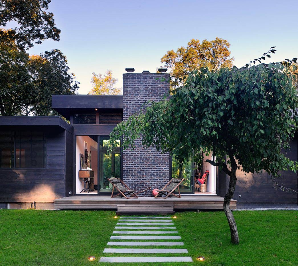 Terrace, Robins Way Residence in Amagasett, New York by Bates Masi Architects