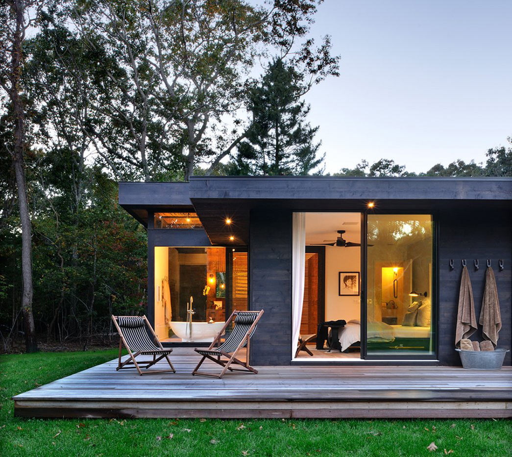 Wooden Terrace, Robins Way Residence in Amagasett, New York by Bates Masi Architects