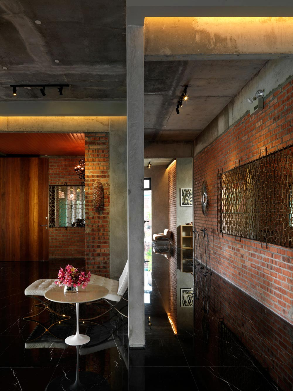 Brick Walls, S11 House in Selangor, Malaysia by ArchiCentre