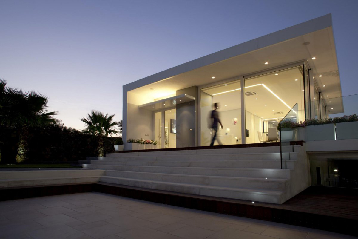 Dusk, Lighting, Villa con Piscina in Catania, Italy by Sebastiano Adragna