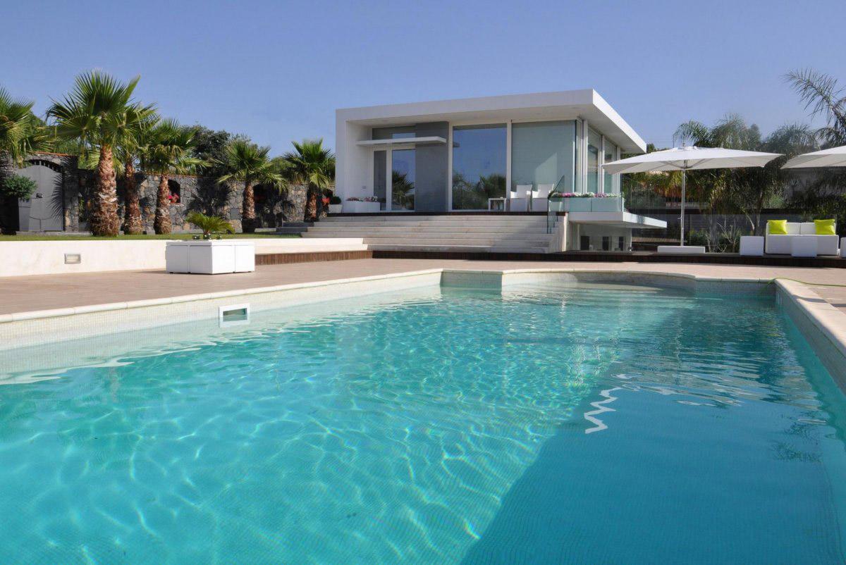 Outdoor Pool, Villa con Piscina in Catania, Italy by Sebastiano Adragna