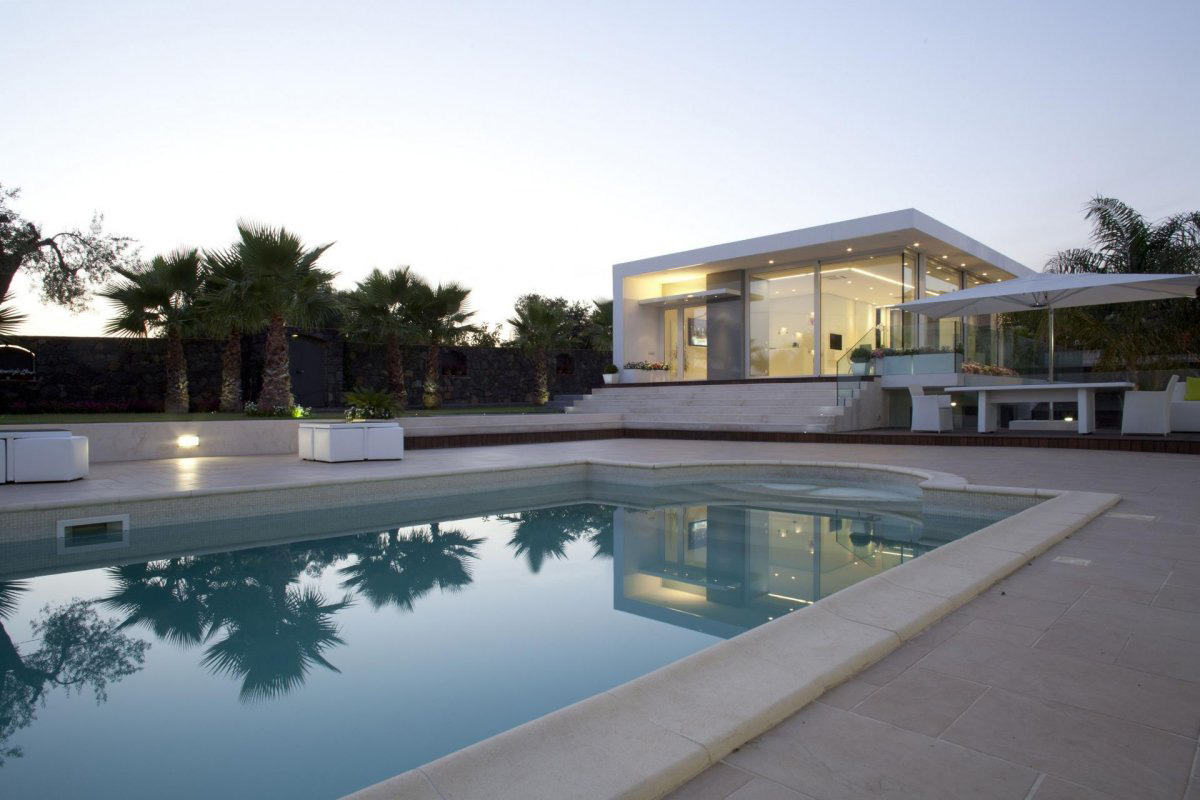 Swimming Pool, Villa con Piscina in Catania, Italy by Sebastiano Adragna