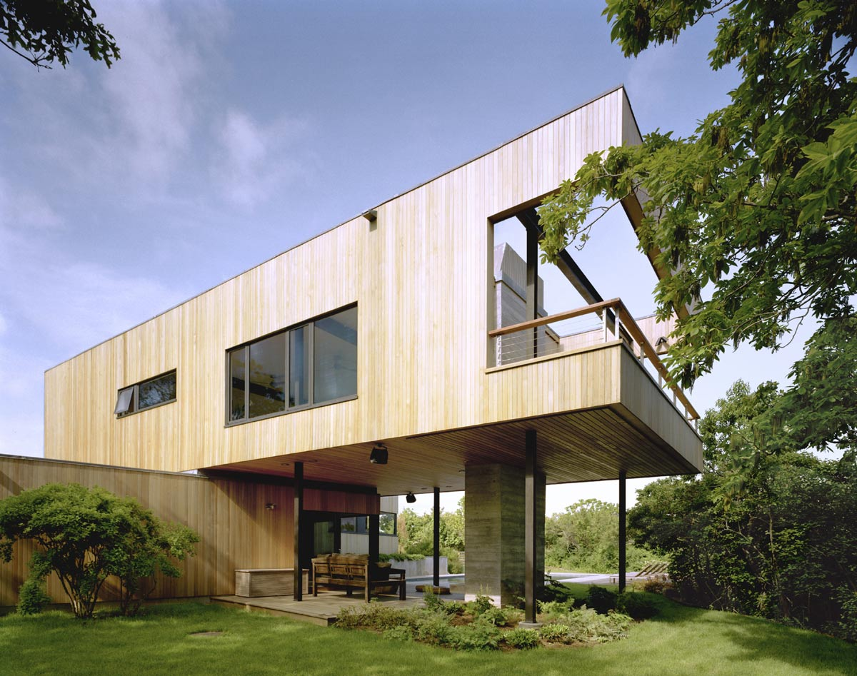 Cantilever, Bluff House in Montauk, New York by Robert Young
