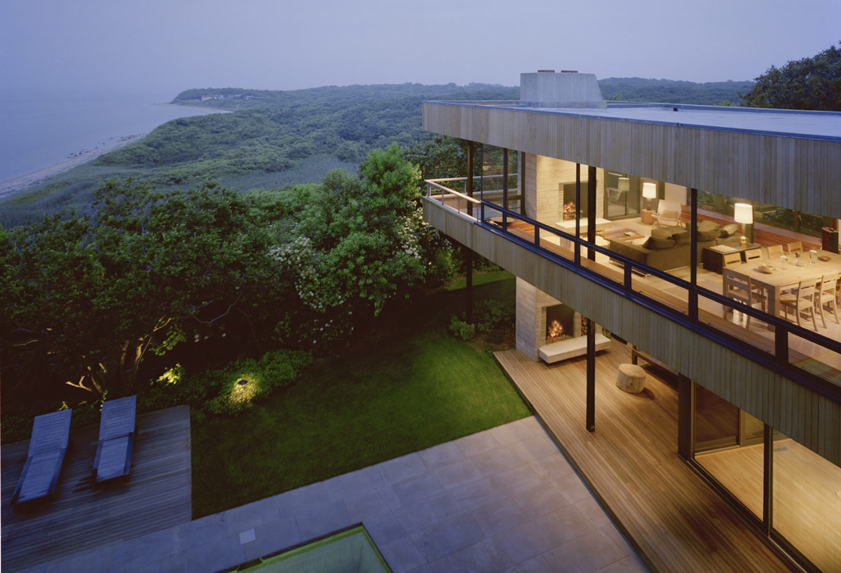 Bluff house in montauk new york by robert young Modern house architect new york