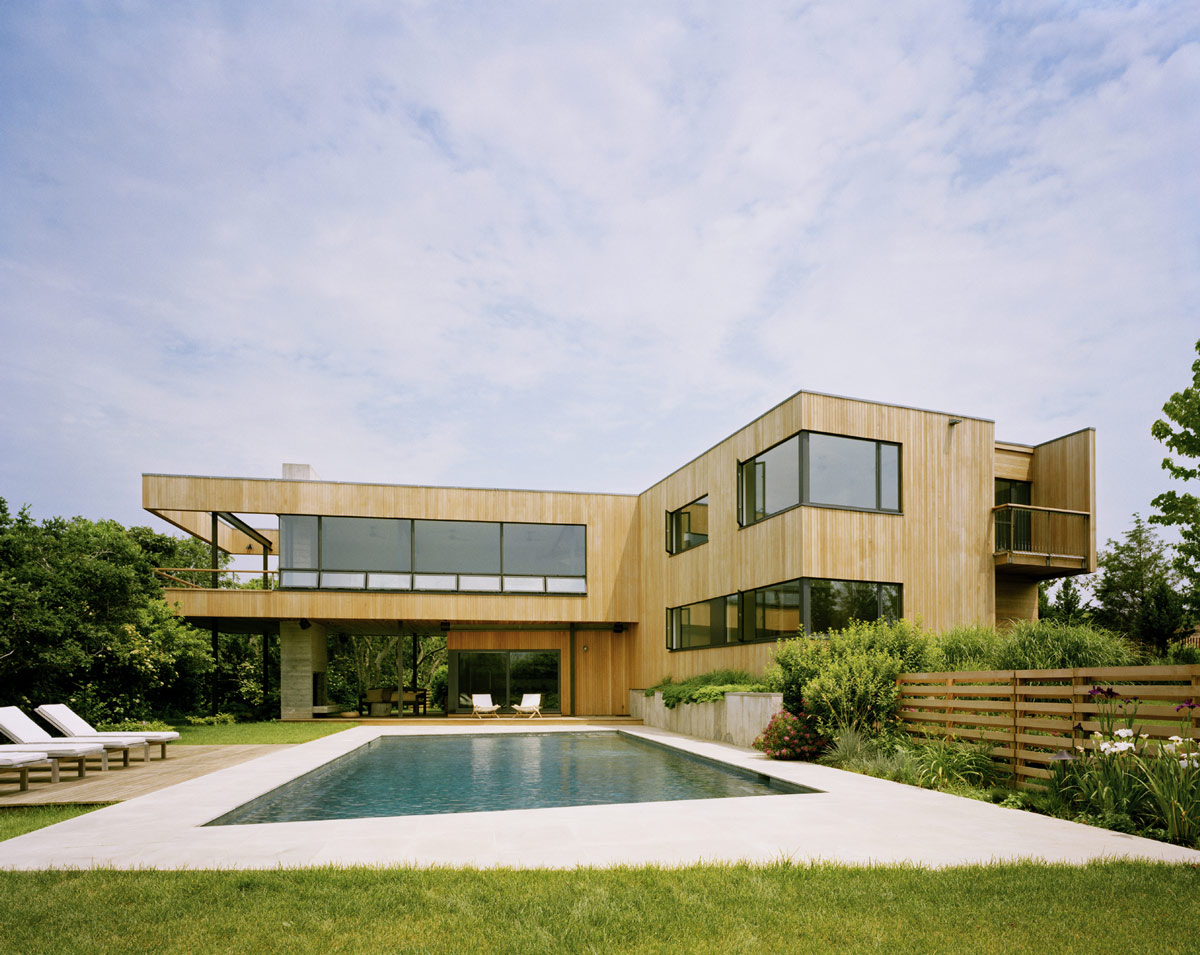 Outdoor pool terrace bluff house in montauk new york by for Modern houses in new york