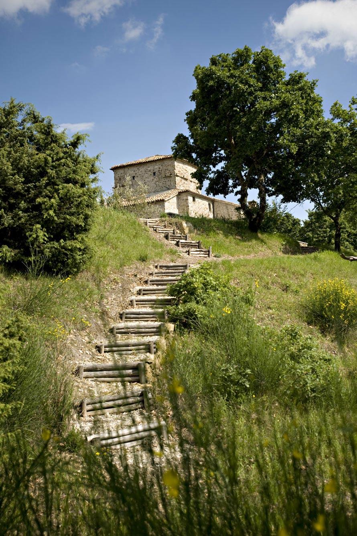 Garden Steps, Torre Moravola Boutique Hotel in Montone, Italy