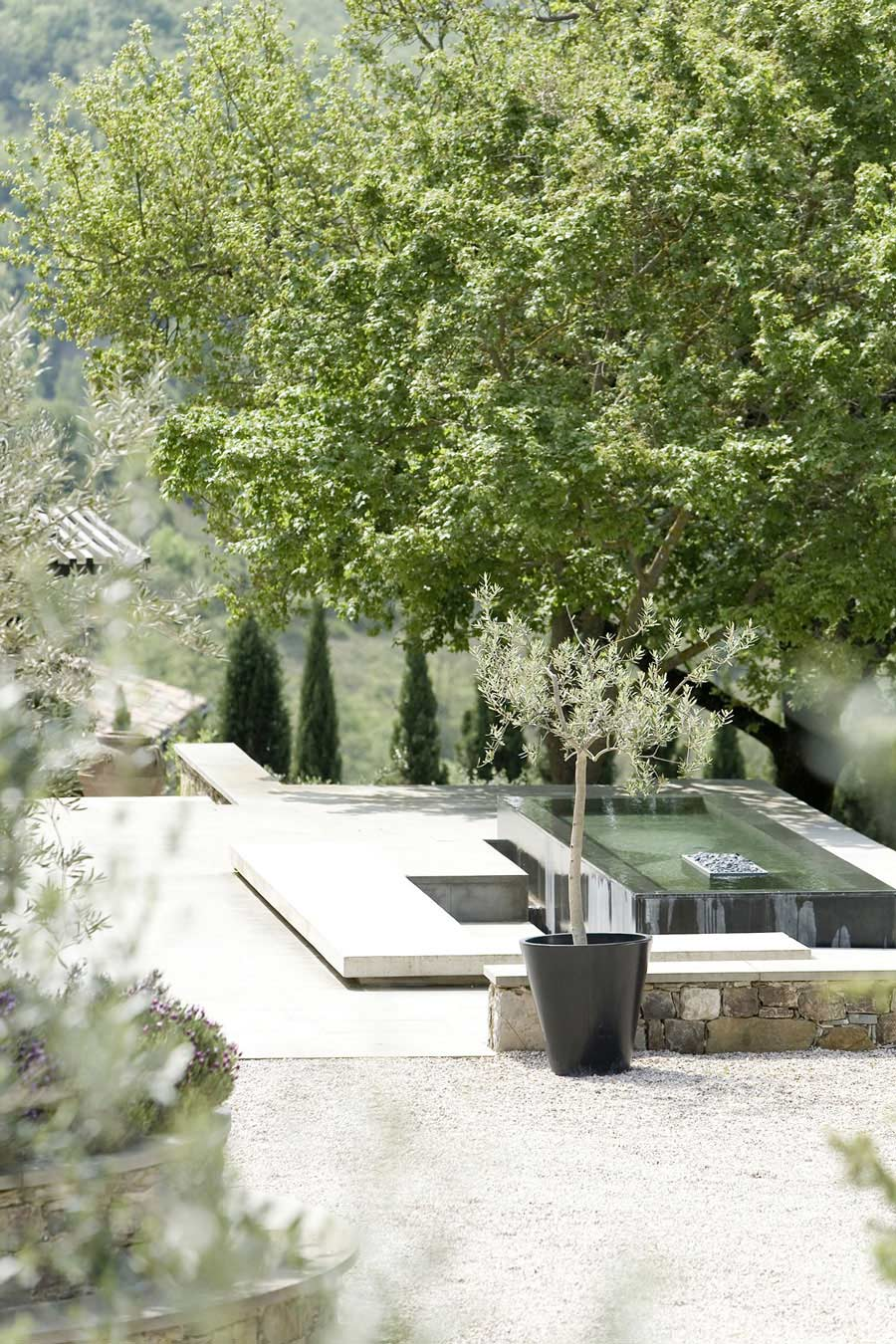 Water & Fire Feature, Torre Moravola Boutique Hotel in Montone, Italy