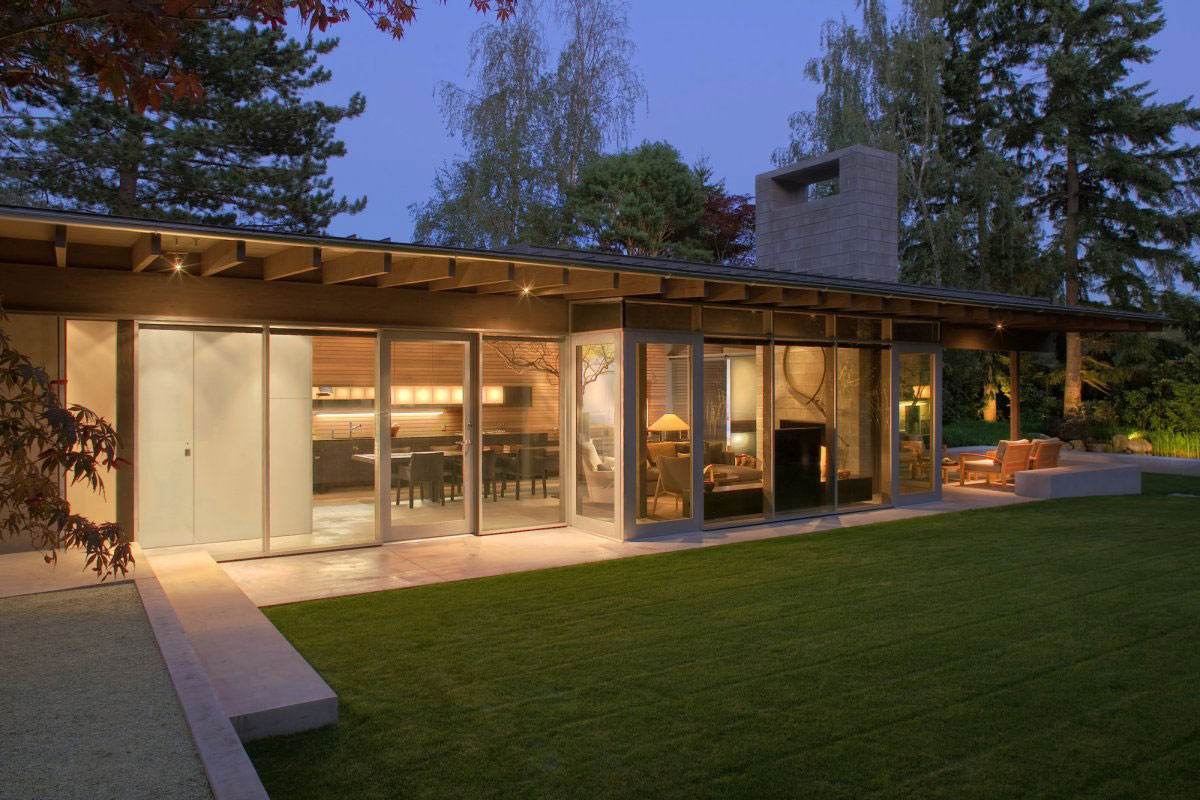 Glass Walls, Lighting, Urban Cabin in Medina, Washington by Suyama Peterson Deguchi