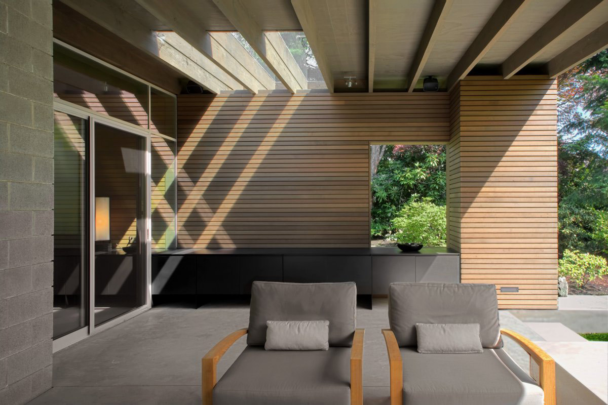 Patio Doors, Terrace, Urban Cabin in Medina, Washington by Suyama Peterson Deguchi