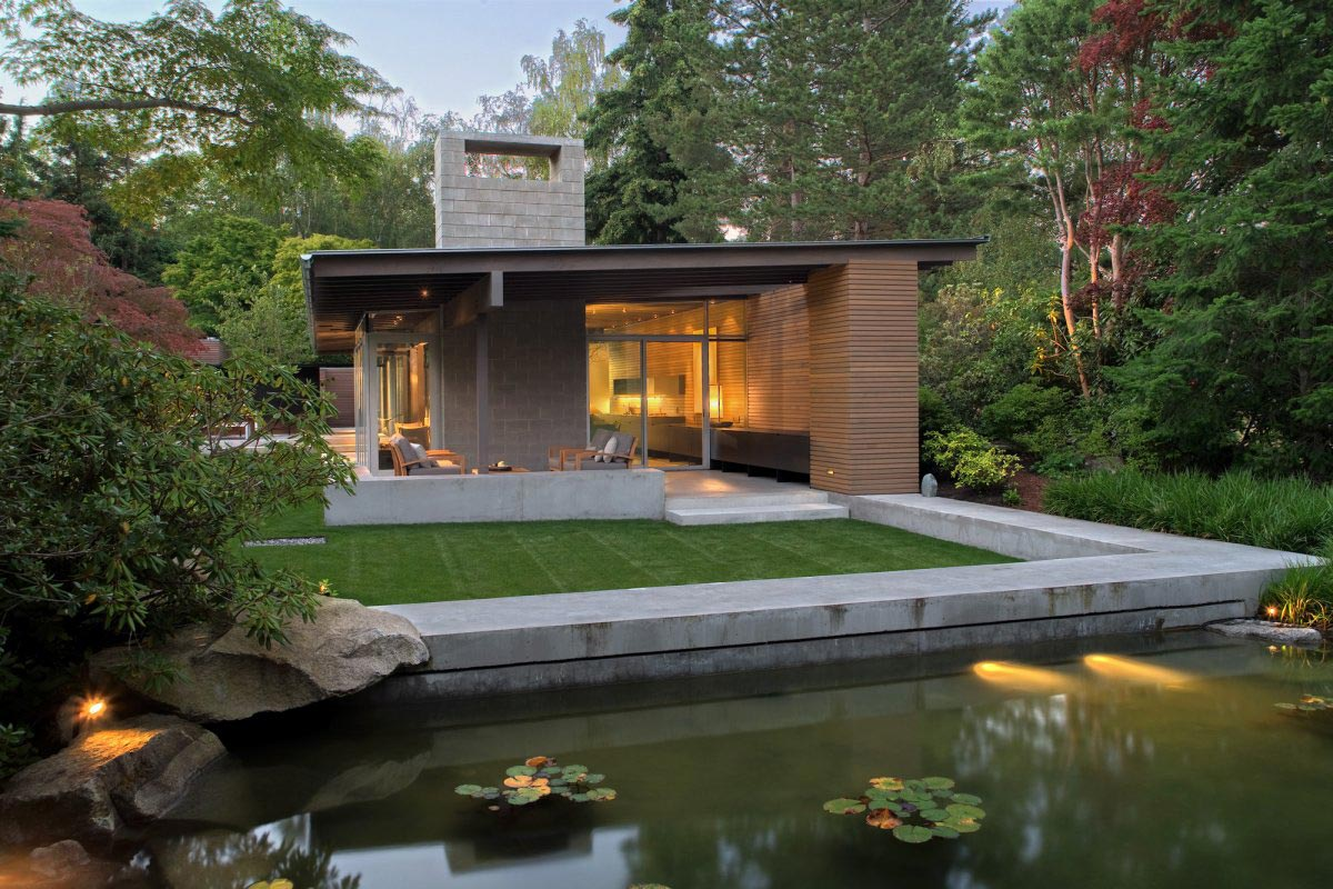 Urban Cabin in Medina, Washington by Suyama Peterson Deguchi