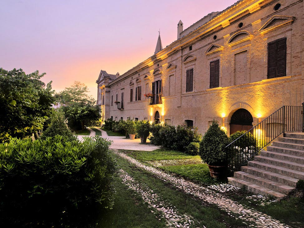 Outdoor Lighting, Castello di Semivicoli Hotel in Casacanditella, Italy