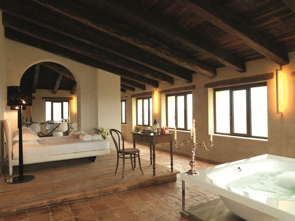 Bedroom, Bath, Lighting, Castello di Semivicoli Hotel in Casacanditella, Italy