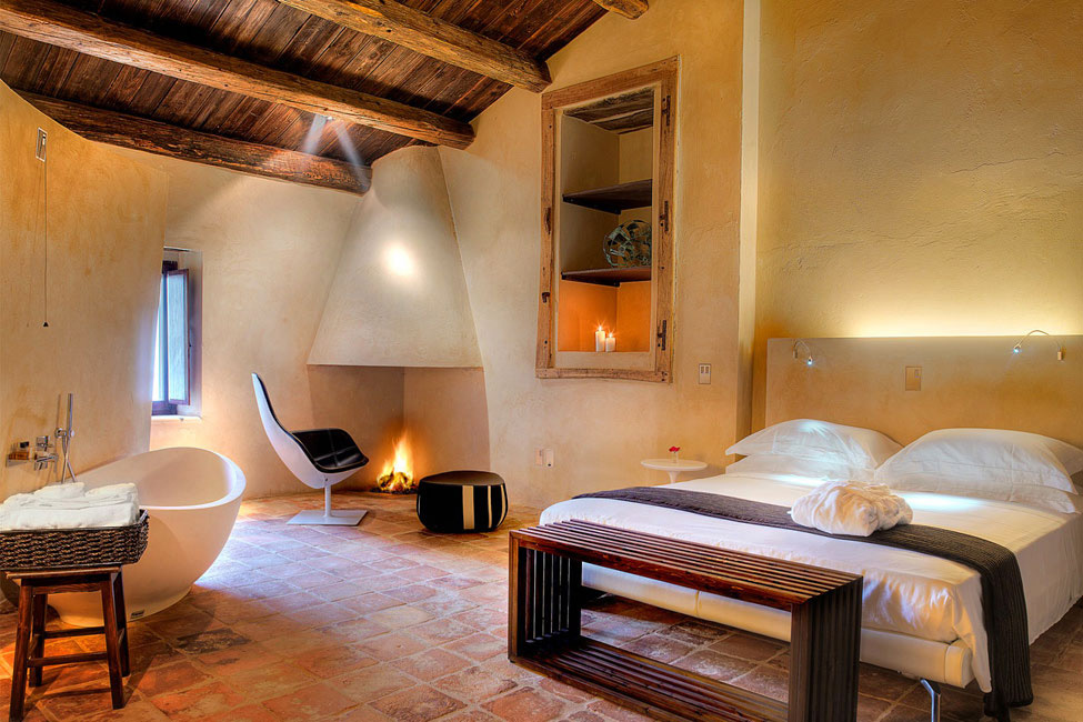 Bedroom, Fireplace, Bath, Bed, Castello di Semivicoli Hotel in Casacanditella, Italy