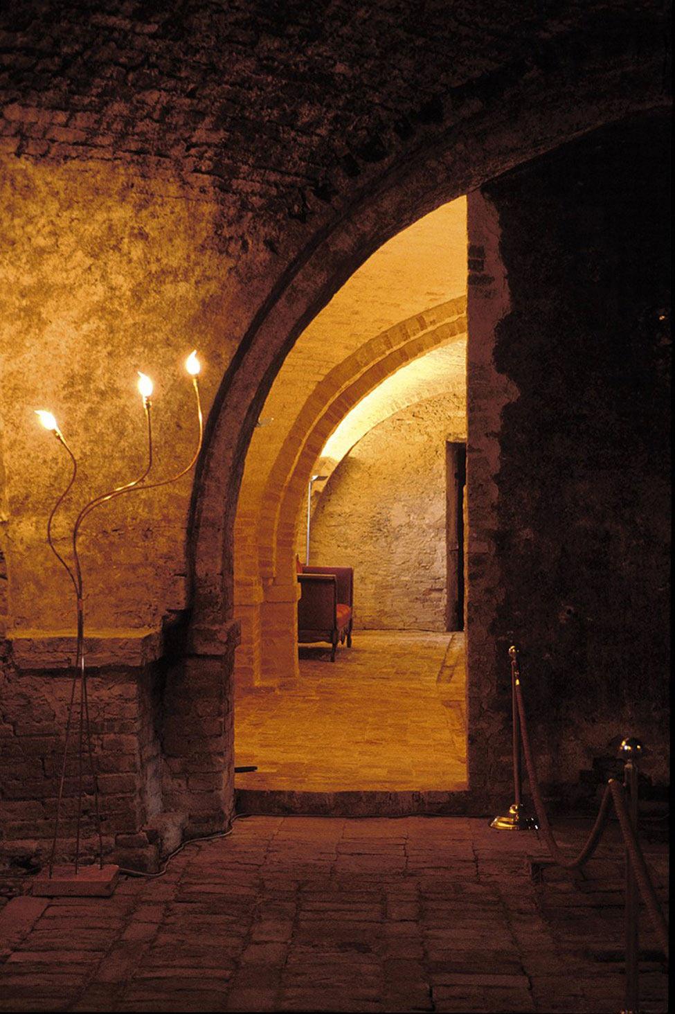 Entrance, Castello di Semivicoli Hotel in Casacanditella, Italy