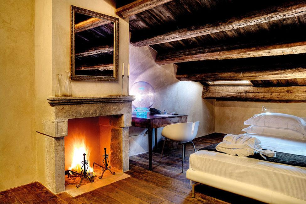 Bedroom, Fireplace, Wood Flooring, Castello di Semivicoli Hotel in Casacanditella, Italy
