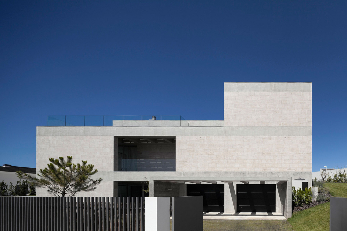 Garages, C+P House in Lisbon, Portugal by Gonçalo das Neves Nunes