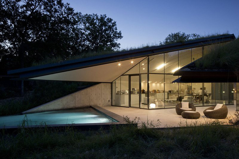 Terrace, Outdoor Pool, Lighting, Edgeland Residence on the Colorado River by Bercy Chen Studio
