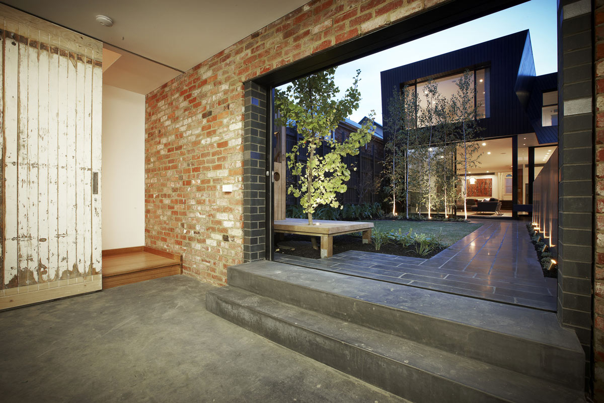 Patio Doors, Courtyard, Enclave House in Melbourne, Australia by BKK Architects