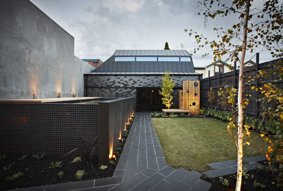 Raised Pool, Courtyard, Enclave House in Melbourne, Australia by BKK Architects