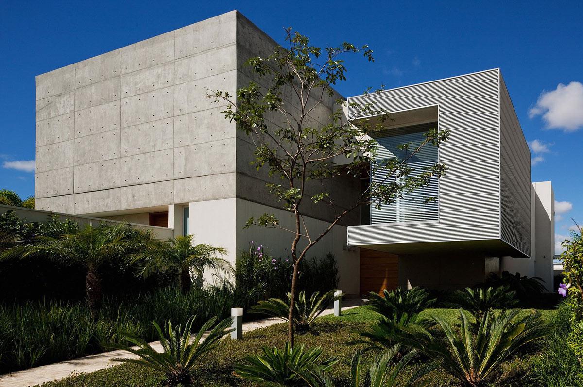 FG Residence in Araraquara, Brazil