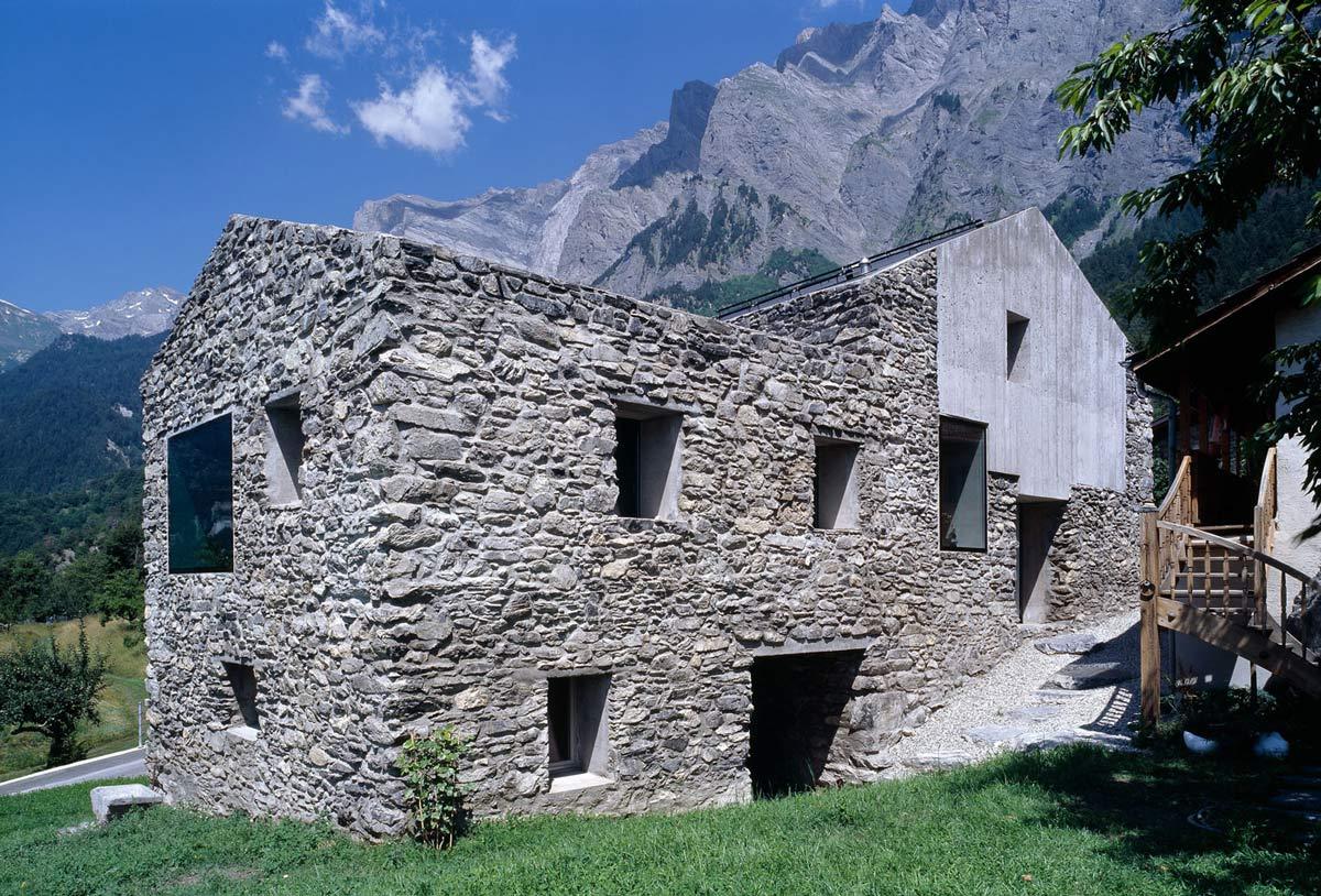 Renovation in Chamoson, Switzerland by Savioz Fabrizzi Architecte