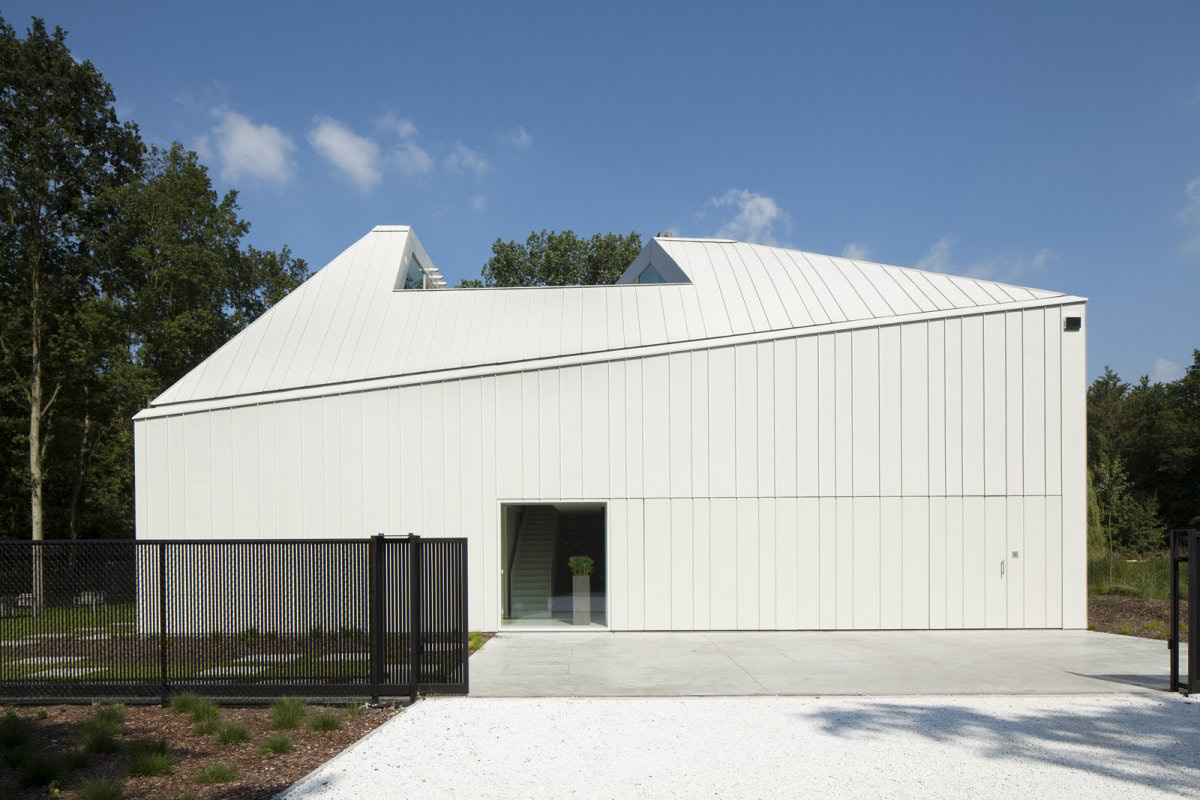 Entrance, Gates, VMVK House in Sint-Katelijne-Waver, Belgium by dmvA