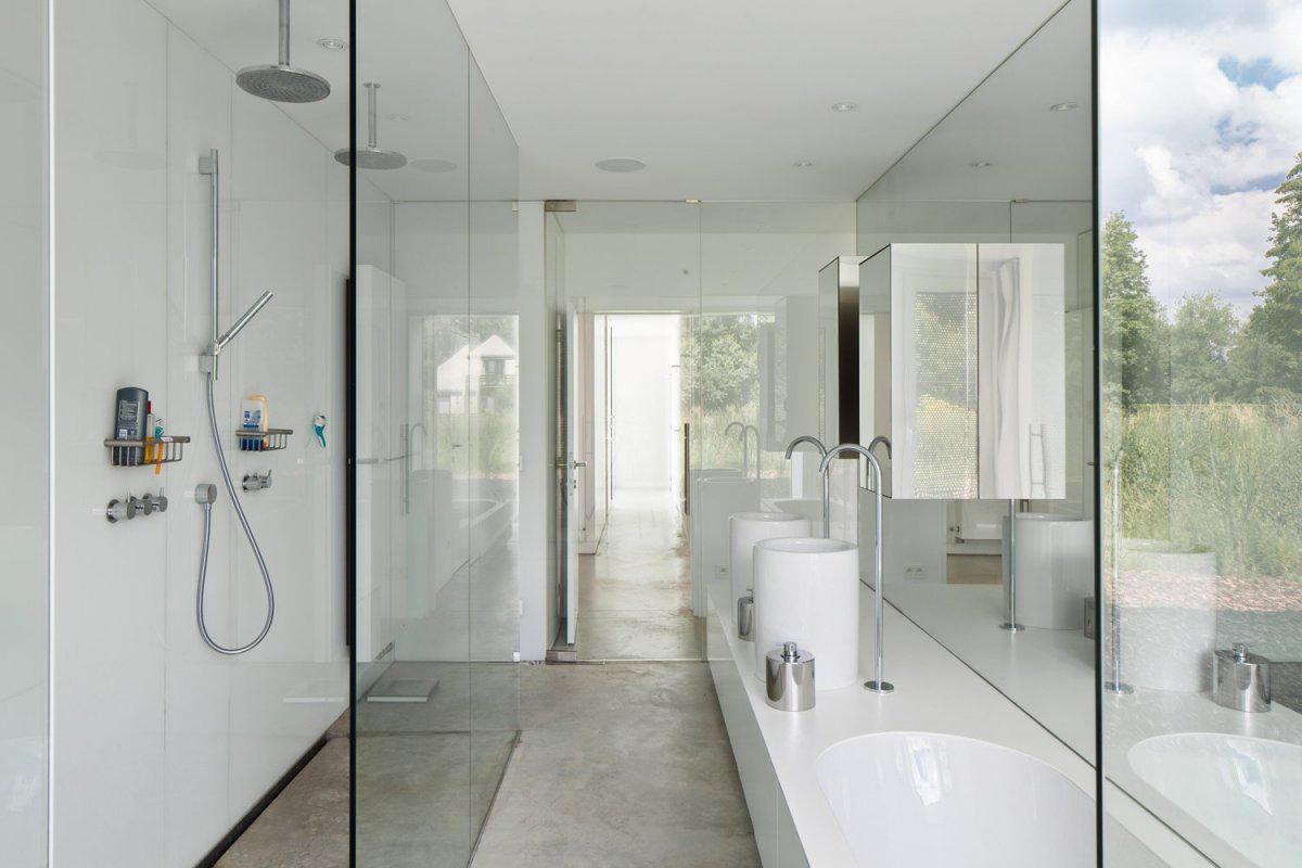 Glass Shower, Bright Bathroom, VMVK House in Sint-Katelijne-Waver, Belgium by dmvA