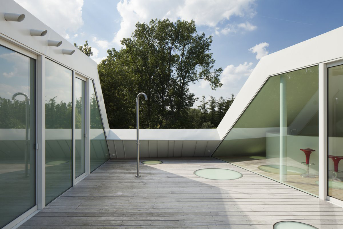 Roof Terrace, VMVK House in Sint-Katelijne-Waver, Belgium by dmvA