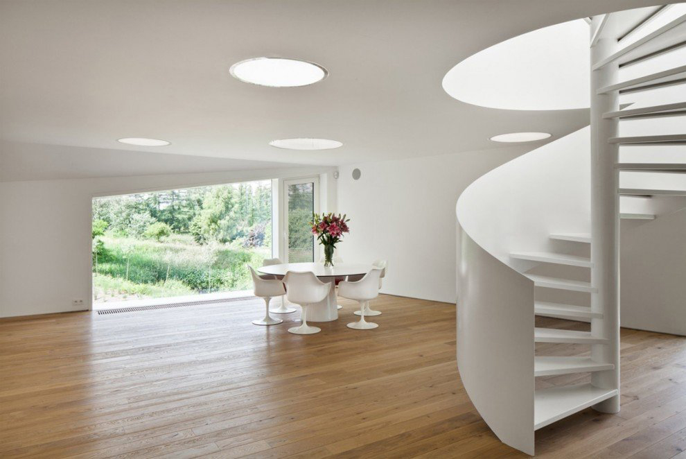 White Spiral Stairs, VMVK House in Sint-Katelijne-Waver, Belgium by dmvA