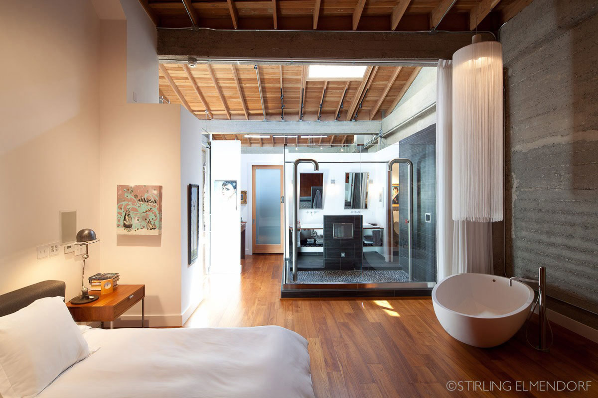 Bedroom, Bath, Glass Shower Room, SF Loft in San Francisco, California by Wardell + Sagan Projekt