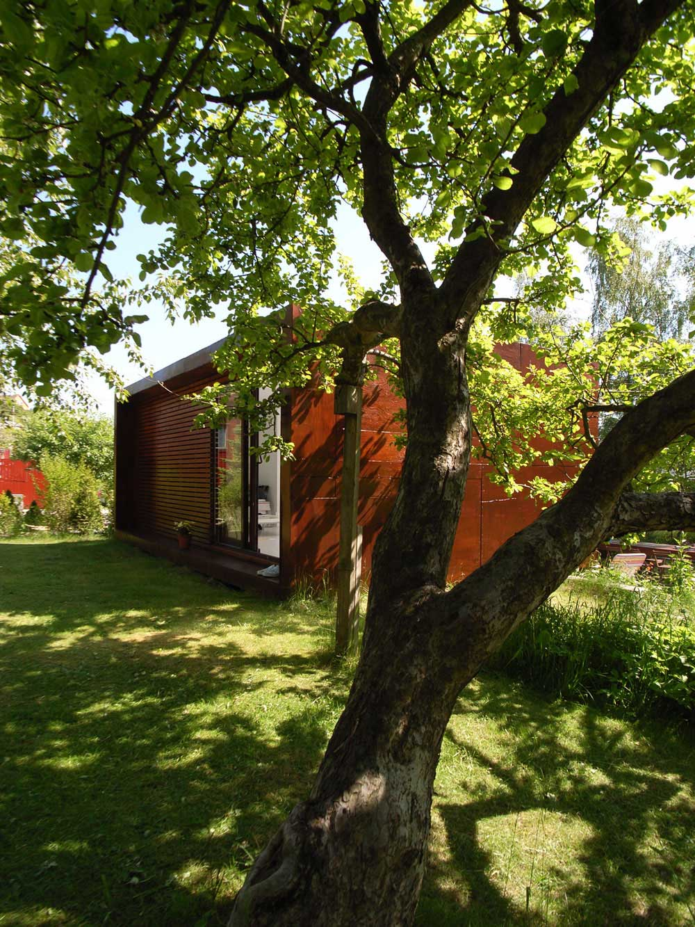 Garden, Casa Kolonihagen in Stavanger, Norway by Tommie Wilhelmsen