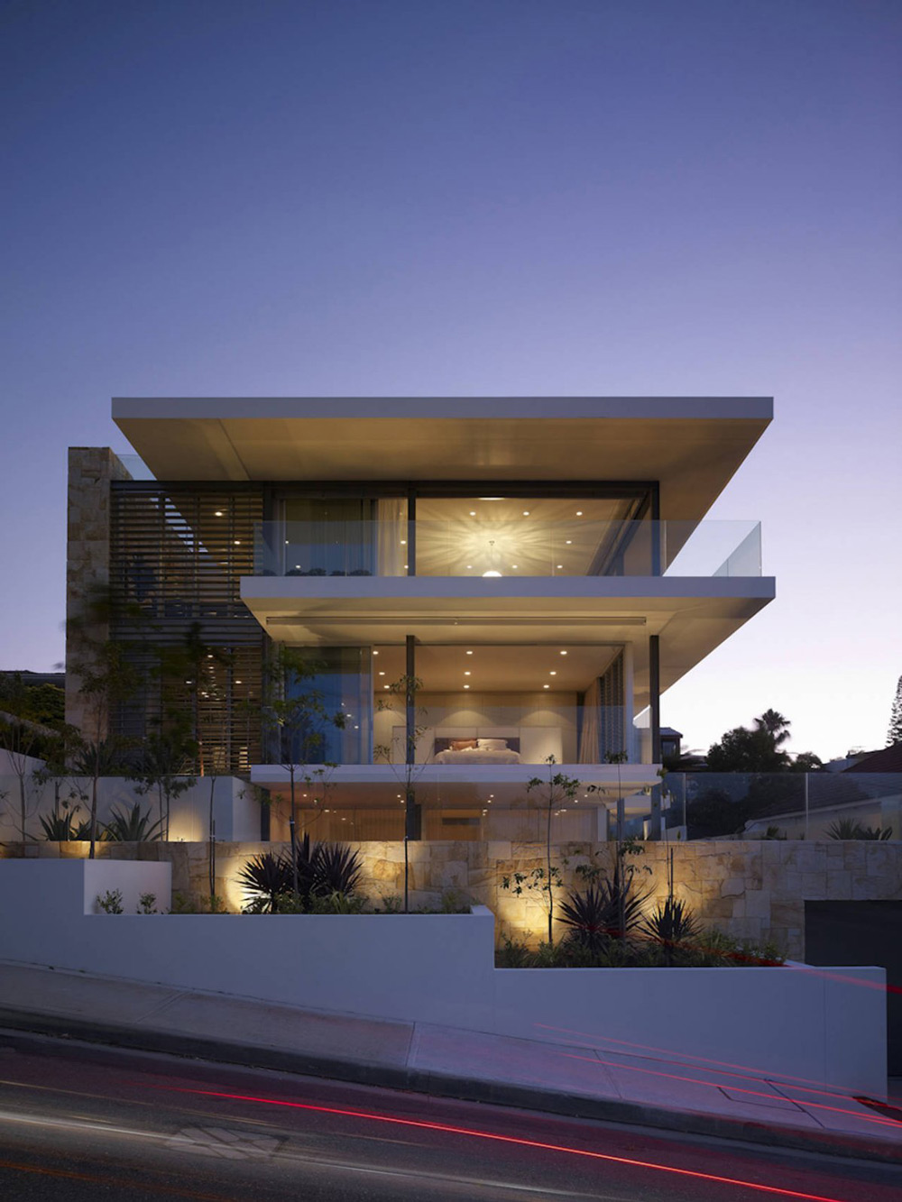 modern house sydney australia dusk lighting. dusk street view vaucluse house in sydney australia by mpr design group modern lighting u
