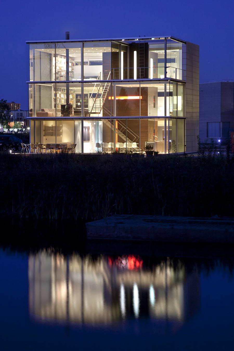 Dusk, Lighting, Rieteiland House in Amsterdam by Hans van Heeswijk Architects