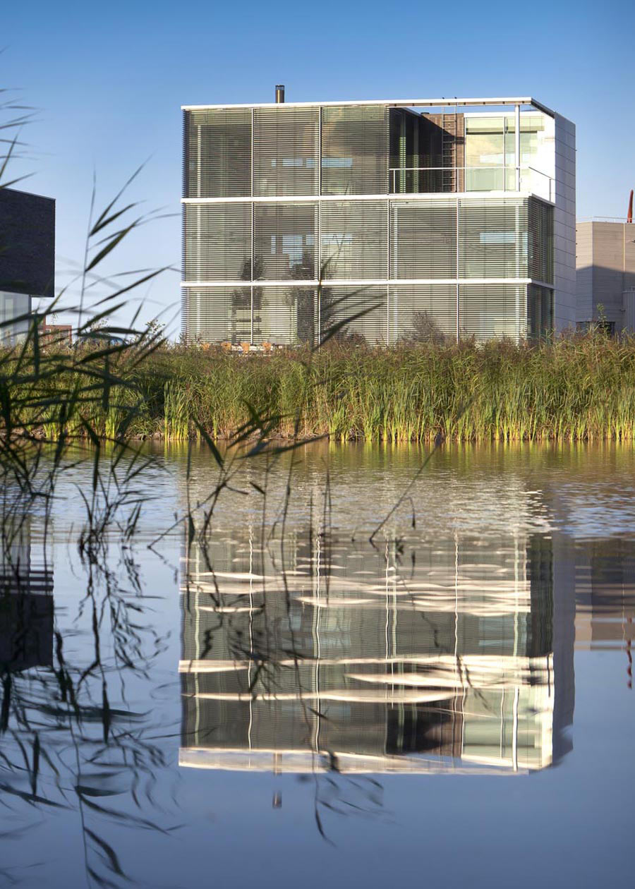 Lake View, Rieteiland House in Amsterdam by Hans van Heeswijk Architects