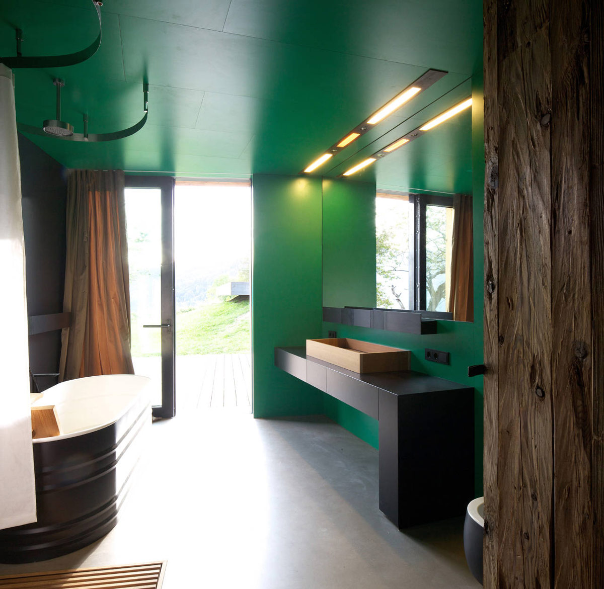 Bathroom, Green Walls, Bath, Kurt Brunner Residence in Sterzing, Italy