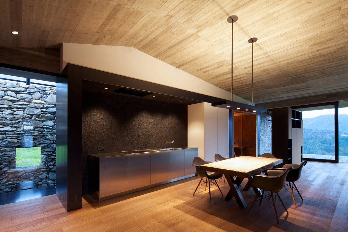Kitchen, Breakfast Table, Kurt Brunner Residence in Sterzing, Italy