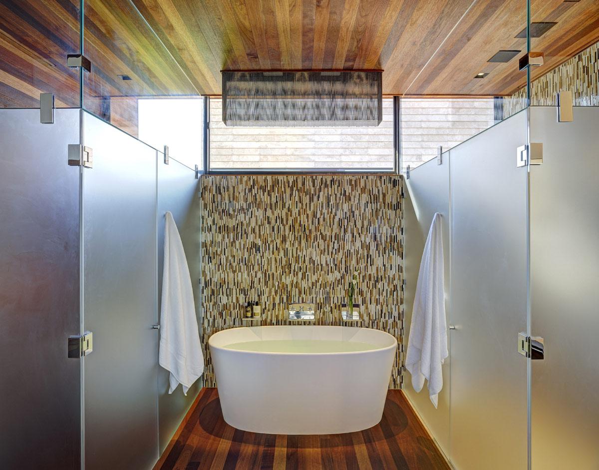 Bath, Glass Walls, Sam's Creek in Bridgehampton, New York by Bates Masi Architects
