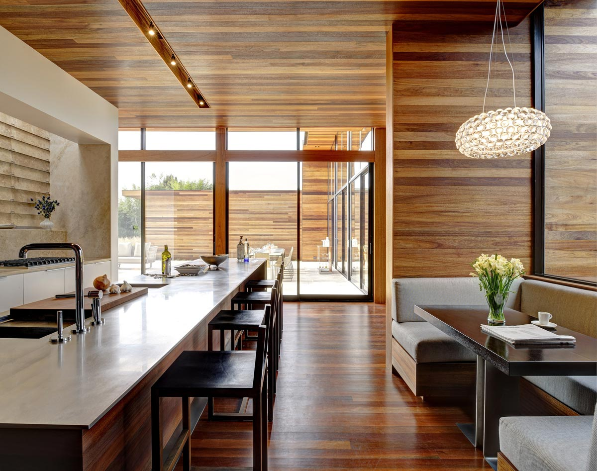 Breakfast Bar, Dining Table, Sam's Creek in Bridgehampton, New York by Bates Masi Architects