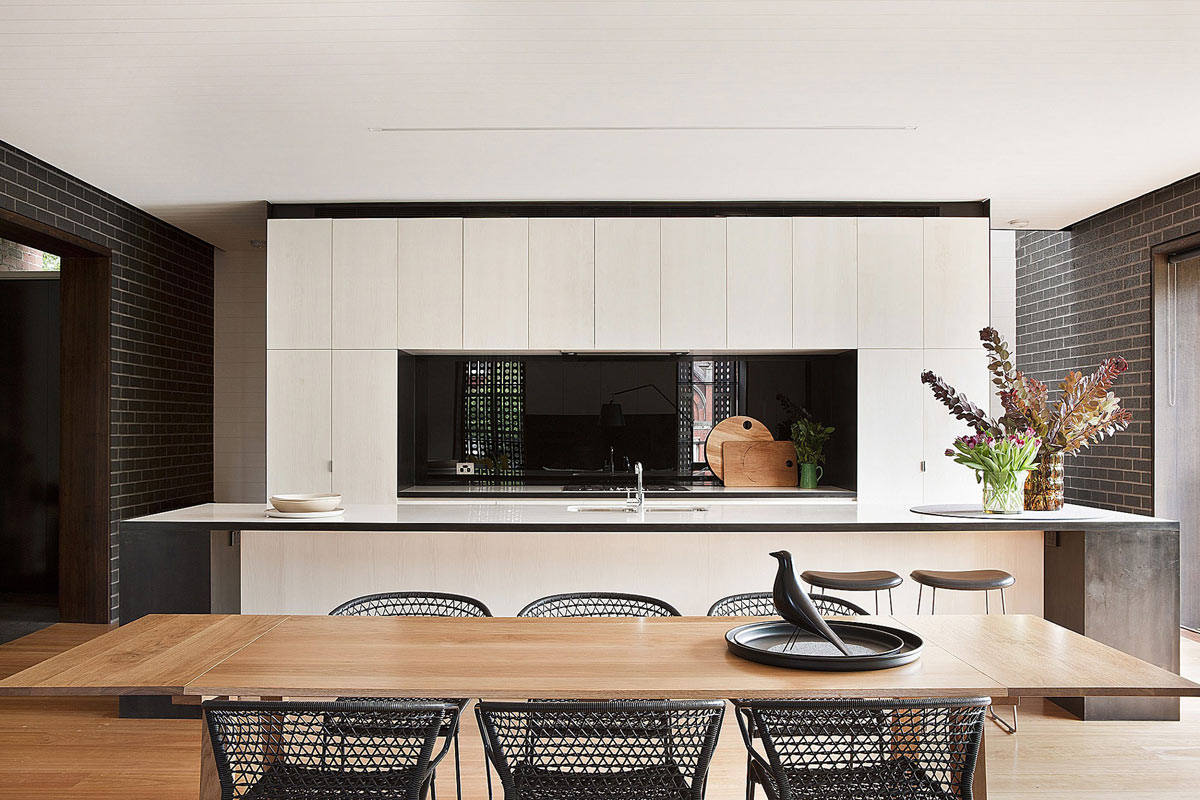 Kitchen, Dining Table, Twin Peaks House in Hawthorn, Australia by Jackson Clements Burrows