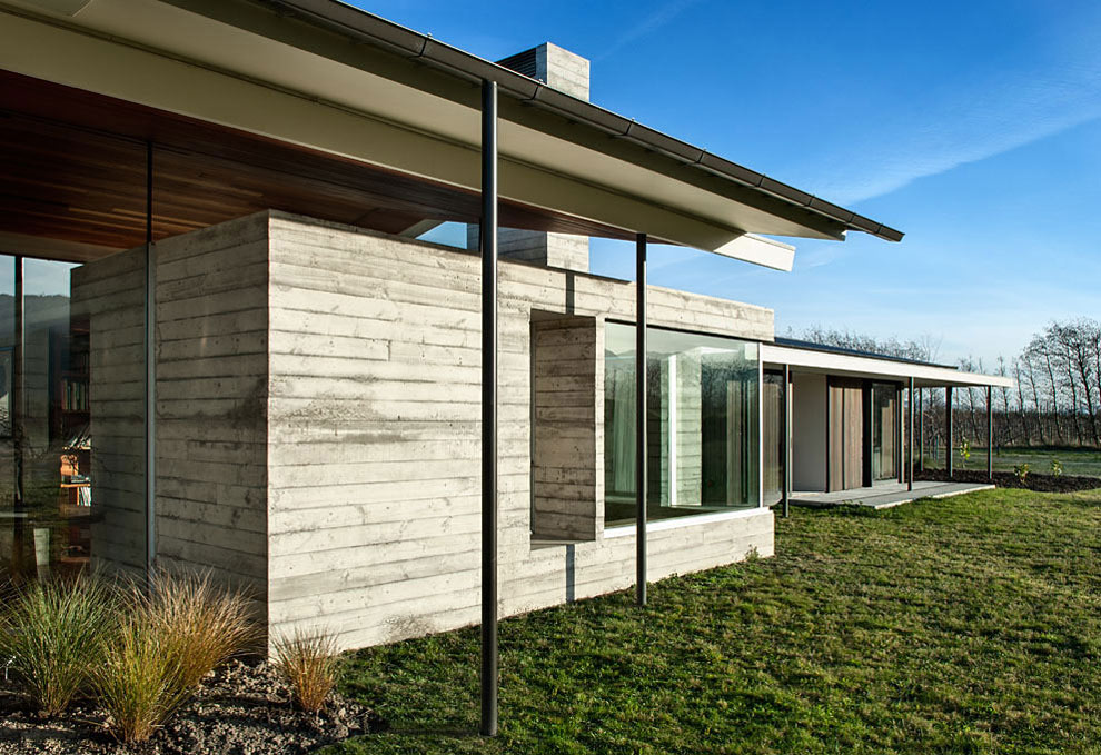 Concrete Walls, Wairau Valley House in Rapaura, New Zealand by Parsonson Architects